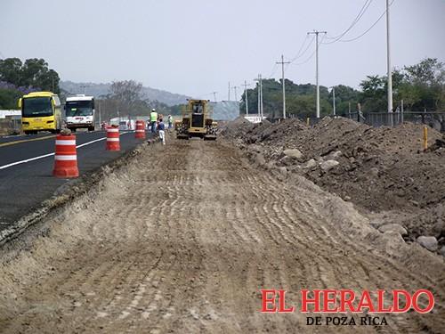 Relega Federación a constructores locales