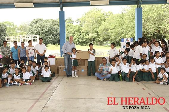 Alcalde visitó escuelas para conocer sus necesidades