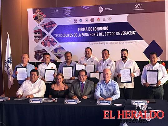Jorge Vera testigo de honor en convenio de Tecnológicos