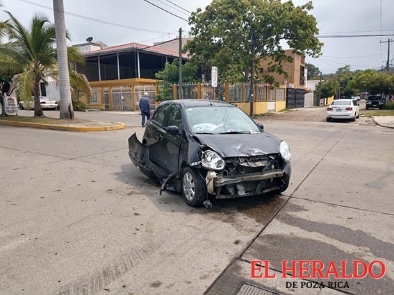 Aparatoso accidente de tres lesionados