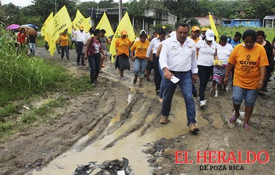 """¡Vecinos de El Mirador, con """"Goyo"""" Gómez!"""