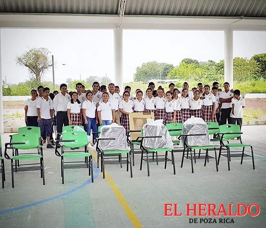 Wilman Monje equipa 36 escuelas