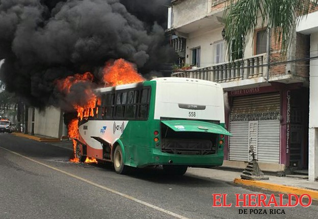 Arde autobús