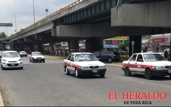 Taxistas piden que se amplié programa de reordenamiento