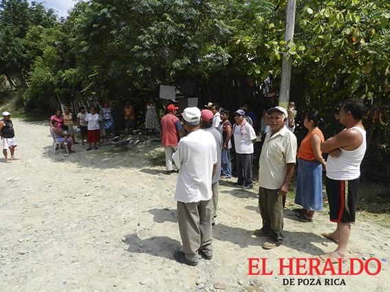Demandan abasto de agua en Villa de las Flores