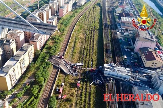 26 muertos por derrumbe de puente