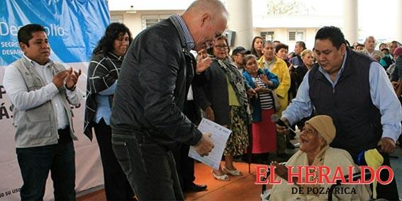 Dos mil seiscientas madressolteras recibieron apoyo