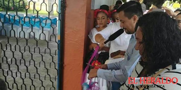 "Inauguran domo en la primaria ""Emiliano Zapata"""
