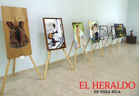 Exposición pictórica en Casa de Cultura
