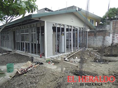 Harán tres nuevas aulas y el domo en la primaria de Xico