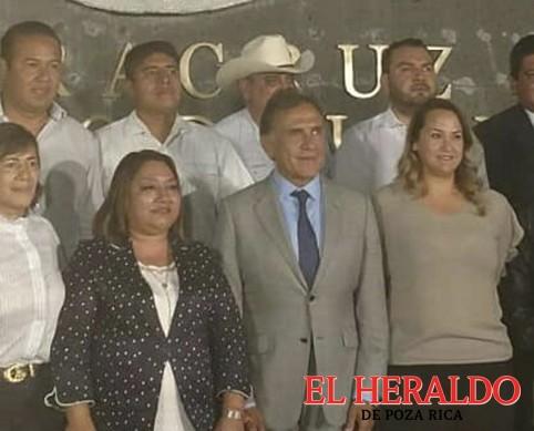 Acude Patricia Cruz Matheis con el gobernador