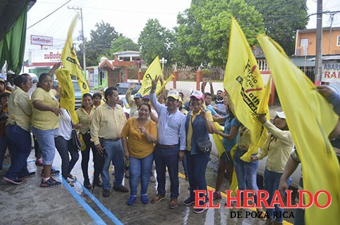 Patricia Cruz Matheis, firme a la Alcaldía de Coatzintla