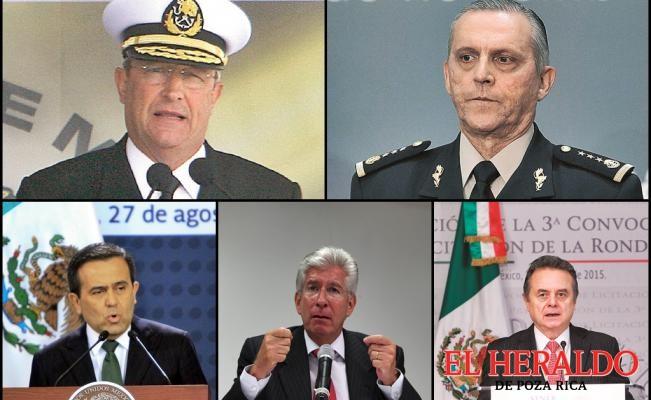 Sólo 5 funcionarios siguen en el gabinete
