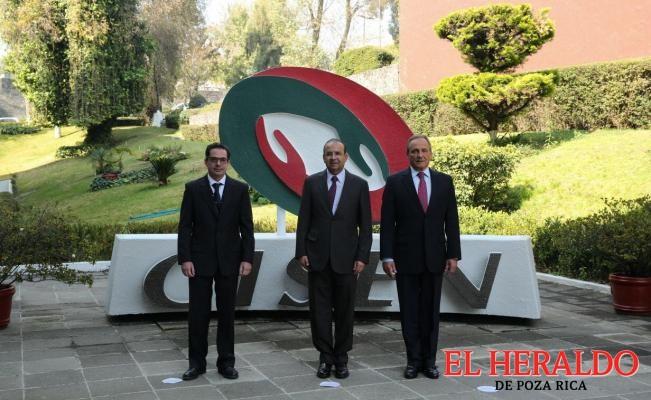 Asume Bazbaz titularidad del Cisen