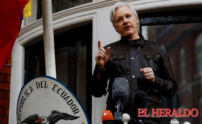 Ecuador le otorgó ciudadanía a Assange