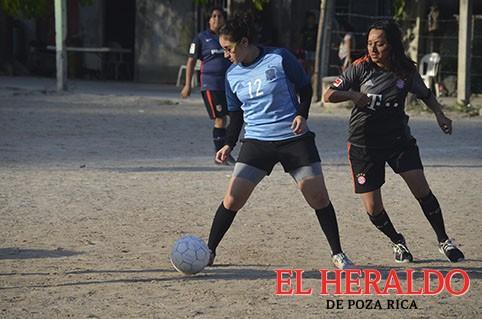 Deportivo Chávez se queda con par de unidades
