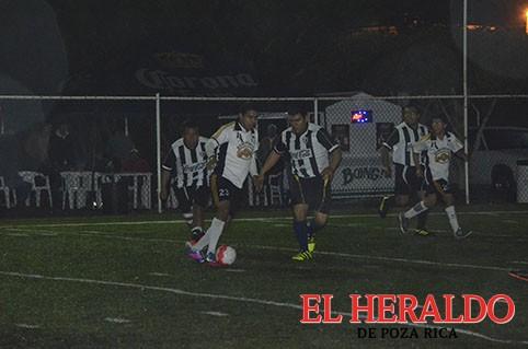 """Cuervos Negros y Leones empatan en la """"ida"""""""