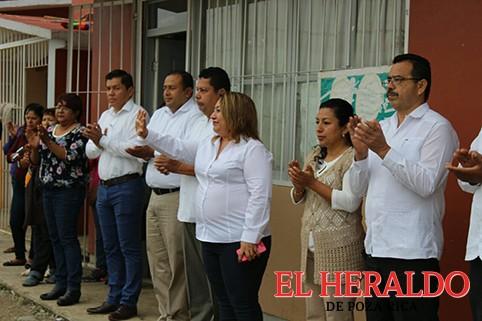 """Construirán un aula en la """"Adolfo López Mateos"""""""