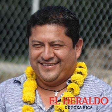 Mariano Romero ratifica a exempleados de confianza