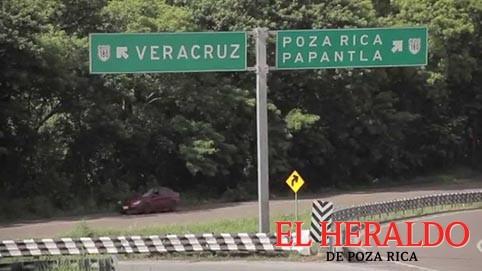 Piden rehabilitar camino a Xalapa