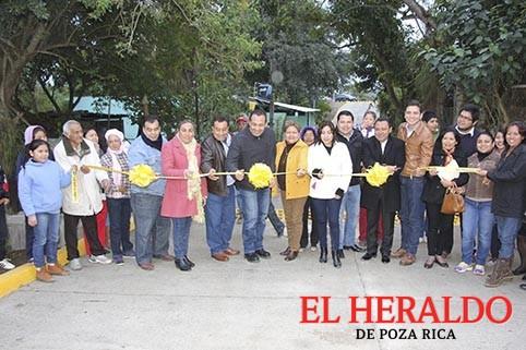 A paso firme, obras en Tihuatlán