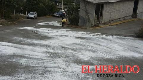 Agua lodo en las calles