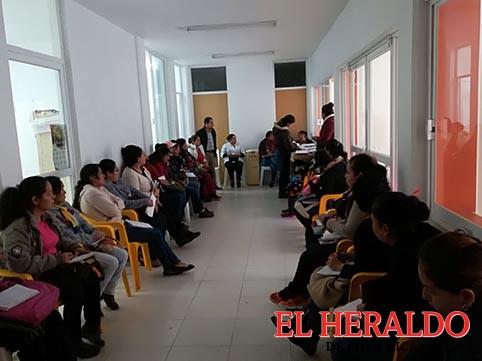 Coordinan programas con Centros de Salud
