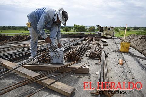 Se retrasa obras de la autopista Cardel-PR