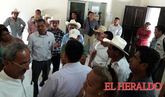 Autoridades violentan elección en Coxquihui
