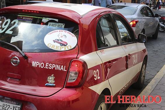 Taxistas de la Sierra denuncian acoso de autoridades