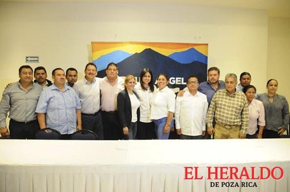 Alcaldes priistas se suman a proyecto de Yunes Márquez