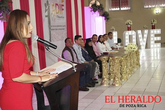 Matrimonio colectivo innovador en Tihuatlán