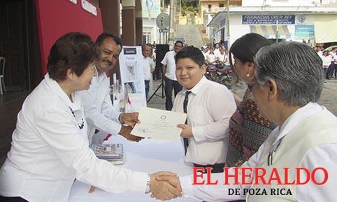 Premian a ganadores del Concurso de dibujo 'Juanito Parcela'