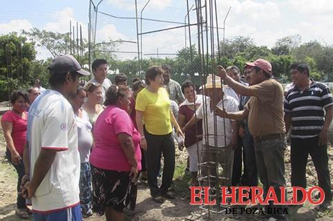 Supervisan alcaldesa obra en Carrillo Puerto