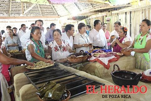 Inaugura UTGZ Cocina Tradicional Totonaca