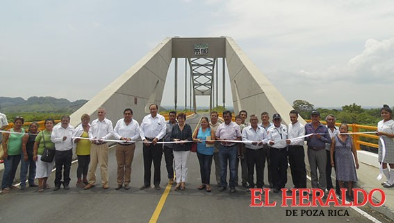 Entrega SCT Puente Paso de Barriles