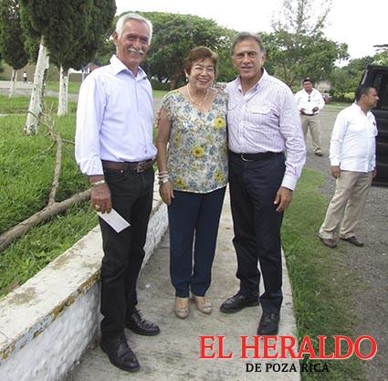 Recibe alcaldesa a Gobernador