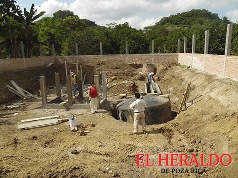 Construyen biodigestores