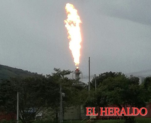 Quema de gas en el complejo
