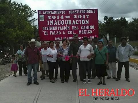 Inauguran pavimentación del camino El falso-colonia México