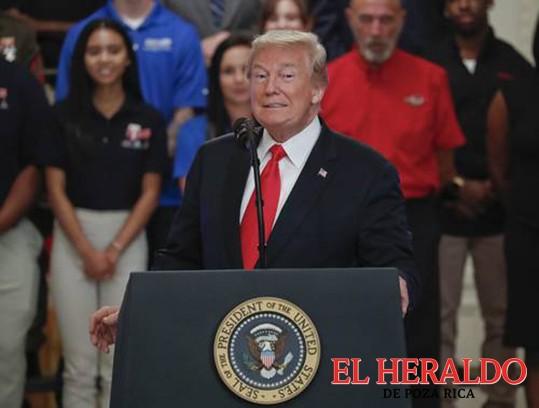 Trump naufraga en su propia tormenta