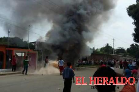 Inconformes queman boletas en Veracruz