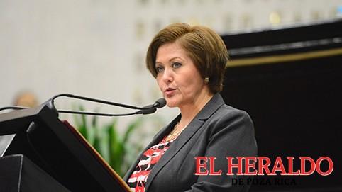 Eva Cadena, busca regresar a su curul