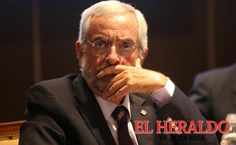 Rector de UNAM reconoce error en exámenes