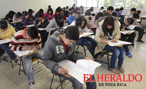 3 mil 613 aspirantes logran puntaje para UNAM