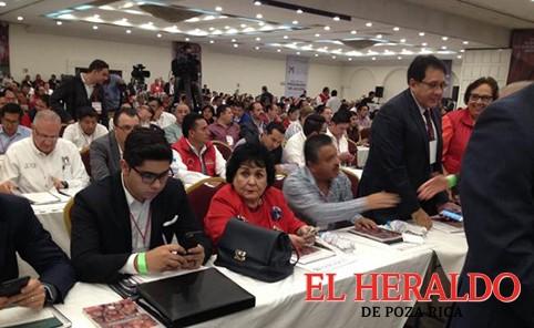 Narro y Labastida asisten a la mesa del PRI