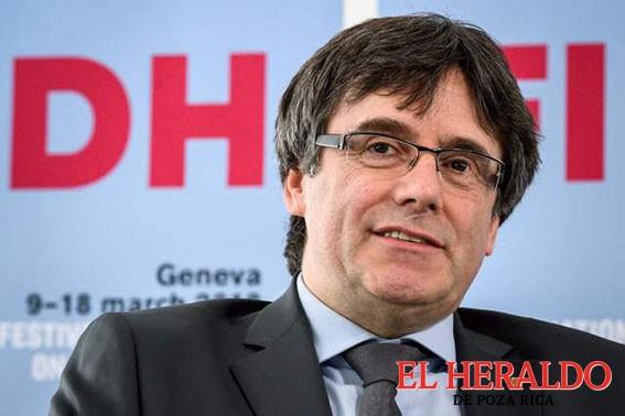 """""""Debí declarar antes la independencia"""": Puigdemont"""