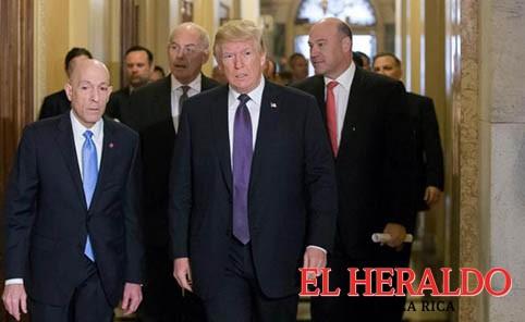 Aprueban reforma fiscal de Trump