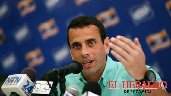 Capriles suspenderá marchas si activan referendo contra Maduro