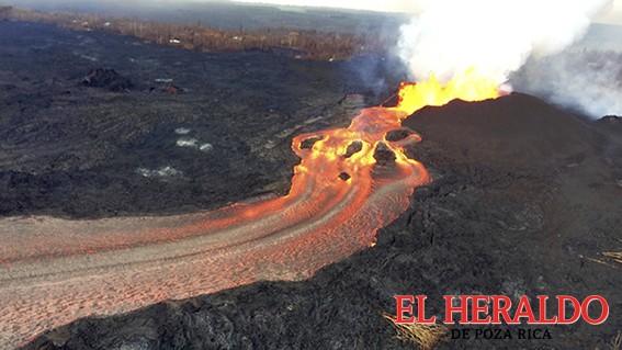 Lava del Kilauea alcanza 700 casas